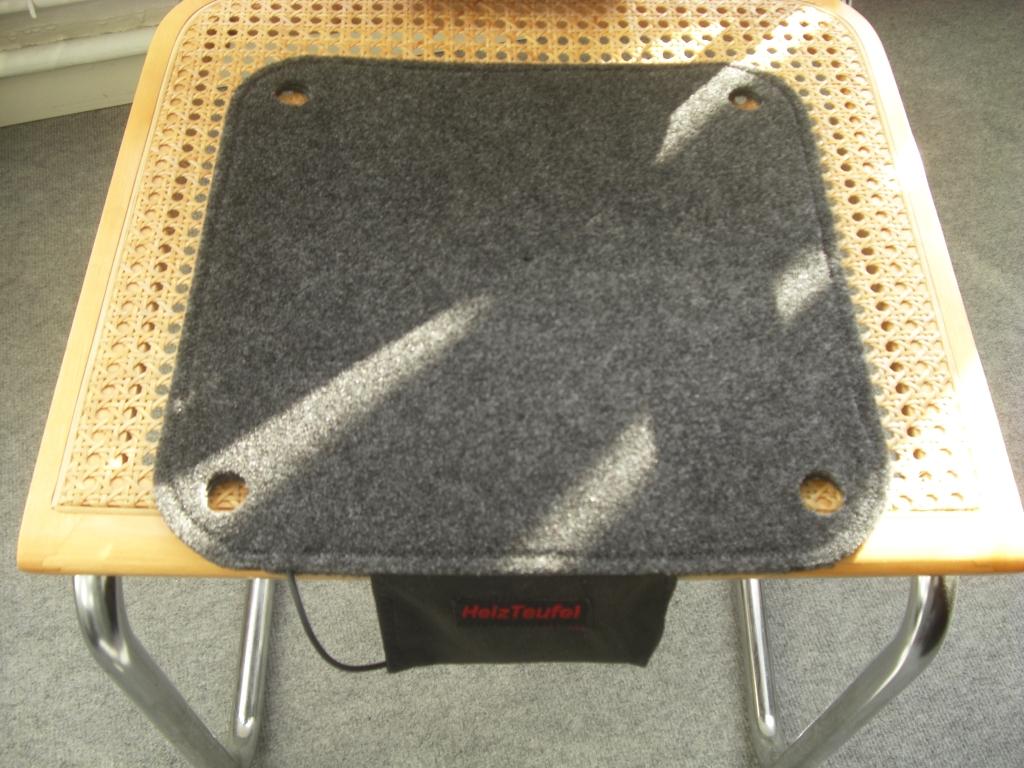 batteriebetriebene beheizbare sitzauflage heizbares. Black Bedroom Furniture Sets. Home Design Ideas